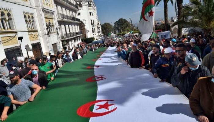 فايننشال تايمز تحذر من اتجاه الجزائر نحو كارثة اقتصادية