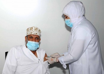 سلطنة عمان تمنح لقاح سبوتنيك الروسي ترخيص استخدام طارئ