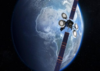 سلطنة عُمان تعتزم إطلاق قمر صناعي للاتصالات خلال 2024