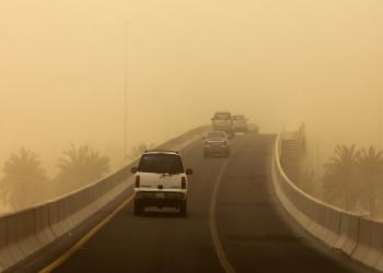 الكويت.. القبض على مصري نشر فيديو يسخر من الطقس السيئ في البلاد