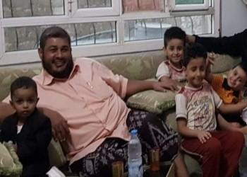 مسلحون يغتالون ناشط بحزب الإصلاح اليمن أمام منزله بعدن