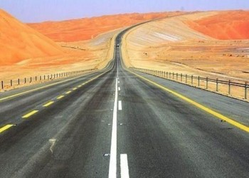 الإعلان عن قرب افتتاح أول طريق بري بين السعودية وعمان