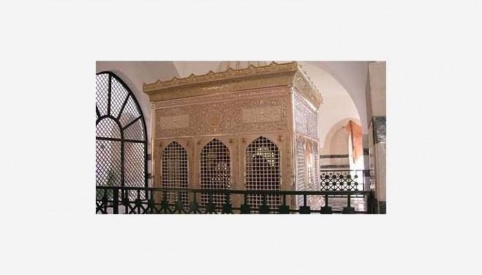 هل ينبغي فتح أبواب السياحة الدينية في الأردن؟