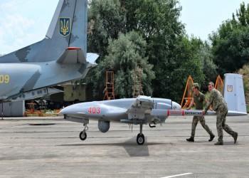 أوكرانيا تتسلم أول طائرة مسيرة تركية الصنع