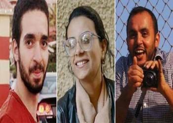 مصر تفرج عن صحفيين وناشطة حقوقية متهمين بنشر أخبار كاذبة