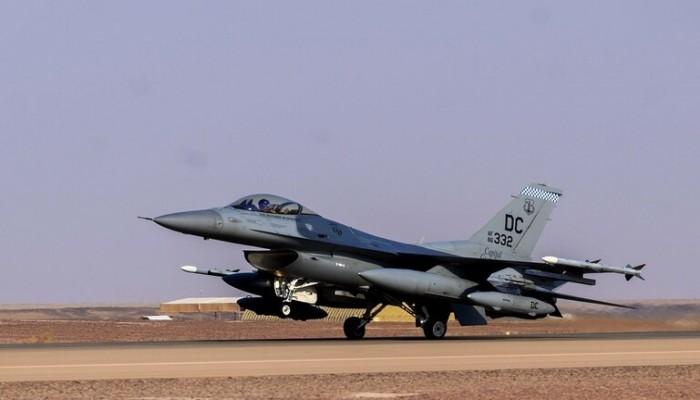 الجيش الأمريكي يعلن وصول مقاتلات F-16 لقاعدة سعودية