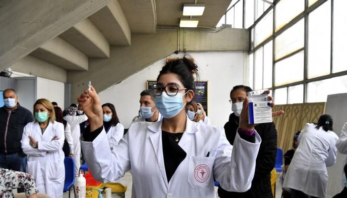 تونس.. تحقيق قضائي بسبب الفوضى في التطعيم