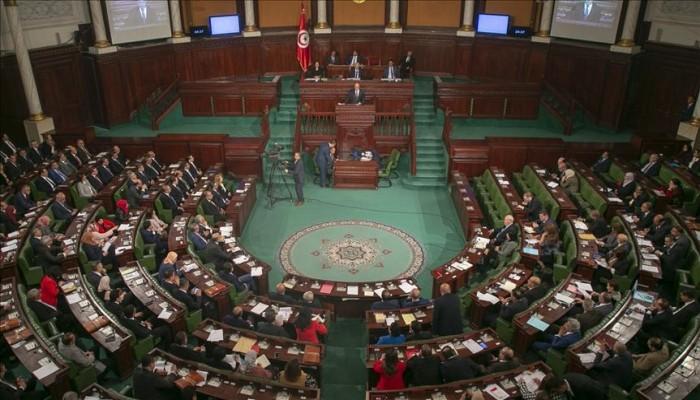 الاتحاد الأوروبي يدعو لاستئناف عمل البرلمان واحترام الحقوق في تونس