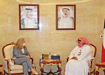 وزير الداخلية الكويتي يبحث مع السفيرة الأمريكية سبل تعزيز التعاون الأمني