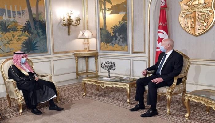 جدد دعم المملكة لتونس.. قيس سعيد يستقبل وزير الخارجية السعودي