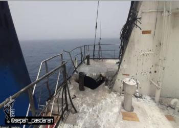 قناة محسوبة على الحرس الثوري الإيراني تنشر صورتين للهجوم على السفينة الإسرائيلية