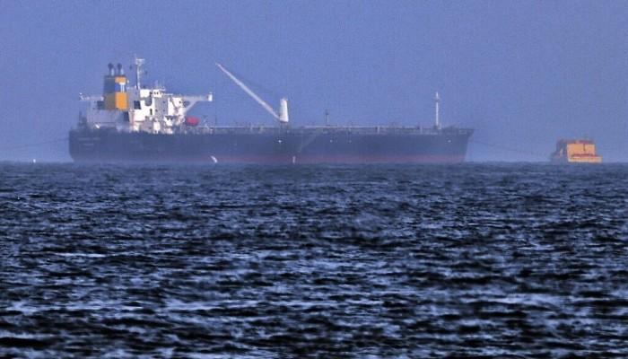 شكوك حول عملية اختطاف.. استهداف سفينة قبالة سواحل الفجيرة بالإمارات
