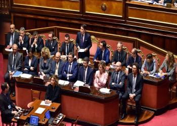 إيطاليا تتراجع عن حظر تصدير الأسلحة إلى الإمارات بعد خلاف المنهاد