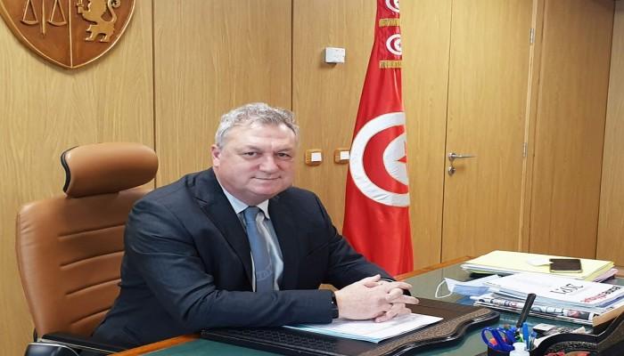 قيس سعيد متهكما: وزير المالية لا يرد على المكالمات وقد يكون أخذ الخزينة معه