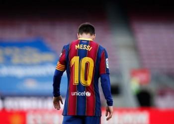 أين يلعب ميسي مستقبلا؟.. وهل إعلان رحيله مناورة من برشلونة؟