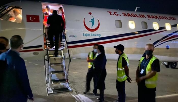 طائرة مساعدات تركية تصل إلى لبنان لإغاثة مصابي عكار