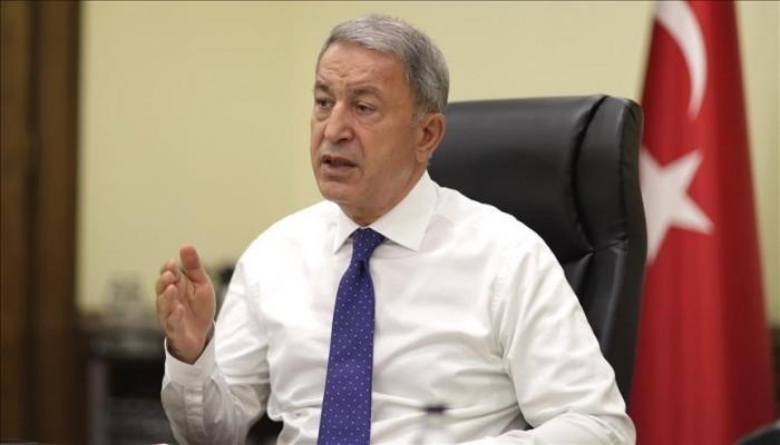 هاتفيا.. وزيرا دفاع تركيا وأمريكا يبحثان التطورات بأفغانستان