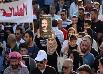 الجارديان: الاستبداد المتزايد للسلطة الفلسطينية يجعلها جزءا من الاحتلال
