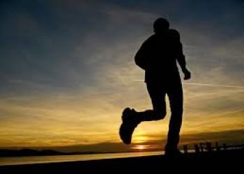 دراسة: ممارسة التمارين نصف ساعة بعد الظهر يرتبط بتحسن مزاج مرضى الاكتئاب