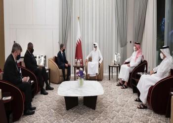 أمير قطر يستقبل وزيري الخارجية والدفاع الأمريكيين.. وينقلان له شكر بايدن
