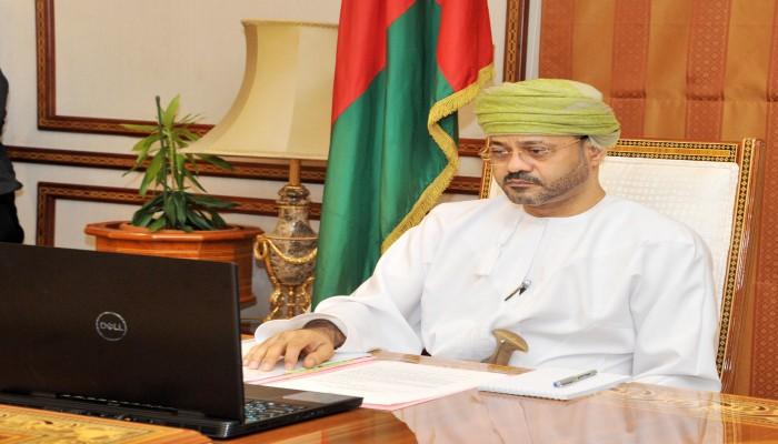 وزير خارجية عمان: اليمن قاب قوسين من وقف الحرب