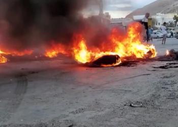 بسبب تدهور المعيشة وانهيار العملة.. احتجاجات واسعة في عدن وحضرموت
