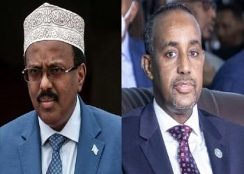 رئيس الصومال يسحب الصلاحيات التنفيذية من رئيس الوزراء.. والأخير يرفض