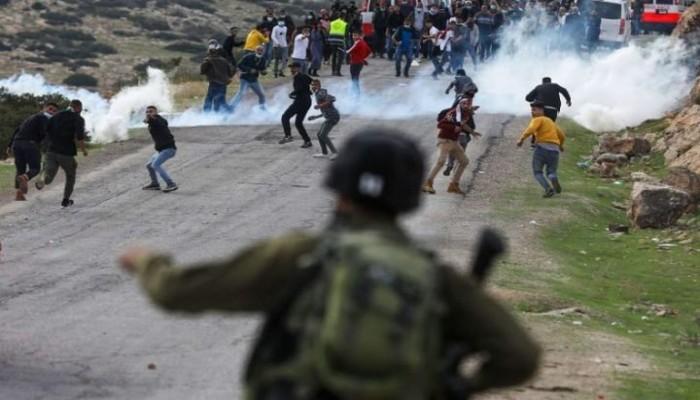 مواجهات بين متظاهرين والاحتلال خلال مسيرات تضامنية مع الأسرى بالضفة