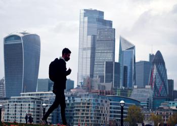 إثر بريكسيت وكورونا.. بريطانيا تفقد 200 ألف من مواطني أوروبا