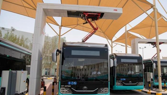 قطر تعلن بدء تنفيذ استراتيجية التحول إلى المركبات الكهربائية