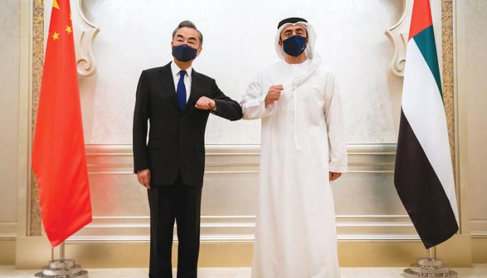 وزيرا خارجية الإمارات والصين يبحثان الشراكة الاستراتيجية