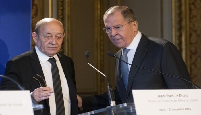 في ظل أزمة مع أمريكا.. فرنسا تبدي استعدادها لبناء علاقة مستقرة مع روسيا