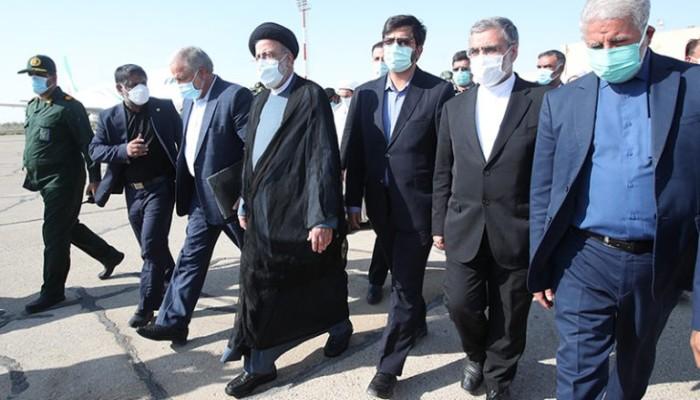 المتشددون في إيران يتبعون استراتيجية مقاومة معقدة