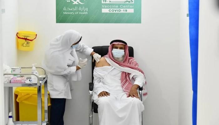 قريبا.. السعودية تعلن تقديم جرعة ثالثة من لقاح كورونا لكبار السن