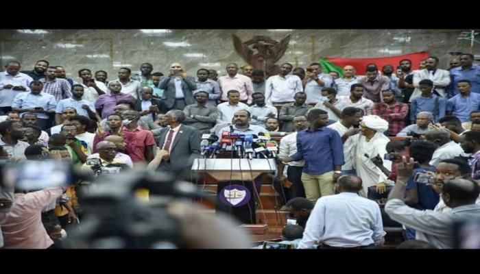 لجنة التمكين السودانية تدعو لحماية الثورة والخروج في مسيرات رفضا للانقلاب