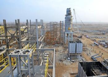 أرامكو توقع اتفاقيات بـ12 مليار دولار حول مجمع للطاقة بجازان
