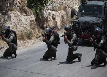 الاحتلال الإسرائيلي يشن حملة مداهمات واعتقالات في الضفة والقدس