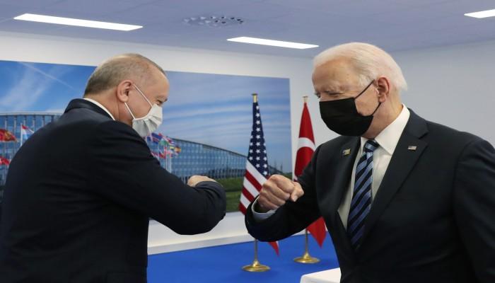 على هامش قمة العشرين في روما.. أردوغان يلتقي بايدن