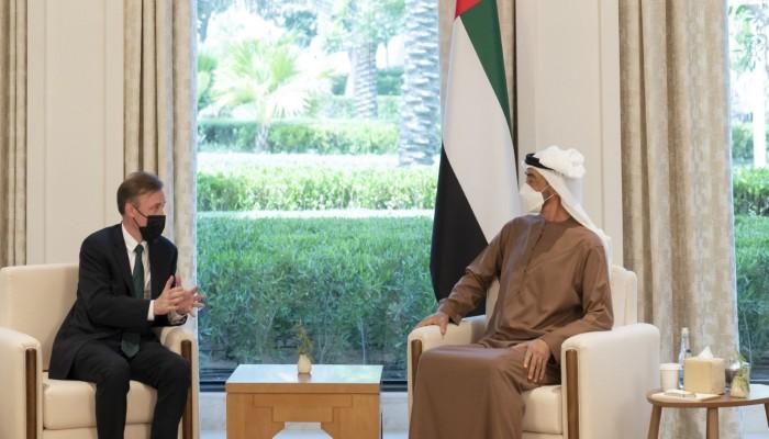 بن زايد يبحث مع مستشار الأمن القومي الأمريكي تطورات المنطقة والتعاون الثنائي
