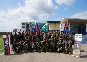 موسكو وإسلام آباد تبحثان تعزيز التعاون العسكري