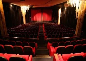 بدءا من السبت.. توطين وظائف الوساطة العقارية ومبيعات السينما في السعودية 100%
