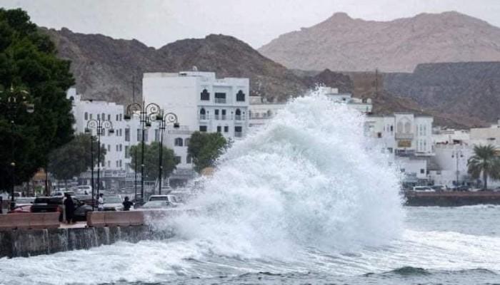 إعصار شاهين.. مصرع 3 بعمان وإصابة 52 في إيران والسعودية تتأهب