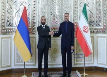 إيران: اعتقال أذربيجان سائقين إيرانيين لا يدخل في إطار حسن الجوار