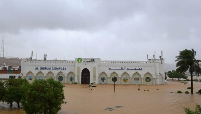 خلف خسائر بشرية ومادية.. عمان تعلن انتهاء تأثيرات إعصار شاهين