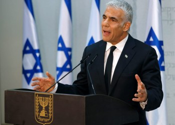 لابيد يؤكد رغبة إسرائيل في تسوية الصراع مع الفلسطينيين