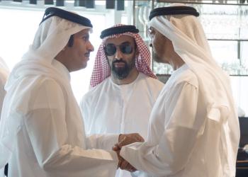 ولي عهد أبوظبي ووزير الخارجية القطري يبحثان تعزيز العلاقات الثنائية