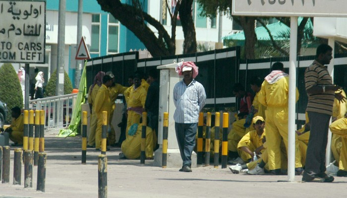 قطر تمهل المخالفين والكويت تلغي حظر عمل الوافدين المسنين