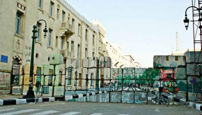 الساحات العامة: مطالب مستمرة ورمزية متجددة