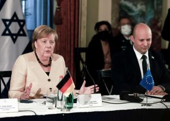 أنجيلا ميركل من إسرائيل: نحن في أسابيع حاسمة بشأن مستقبل الاتفاق النووي الإيراني