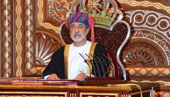 سلطان عمان يعلن إنشاء صندوق طوارئ لمتضرري إعصار شاهين
